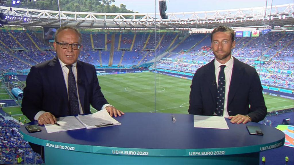 Enrico Varriale e Claudio Marchisio durante Italia-Galles, Euro 2020