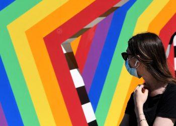 Ddl Zan, le installazioni arcobaleno di Zalando per celebrare il Pride a Milano
