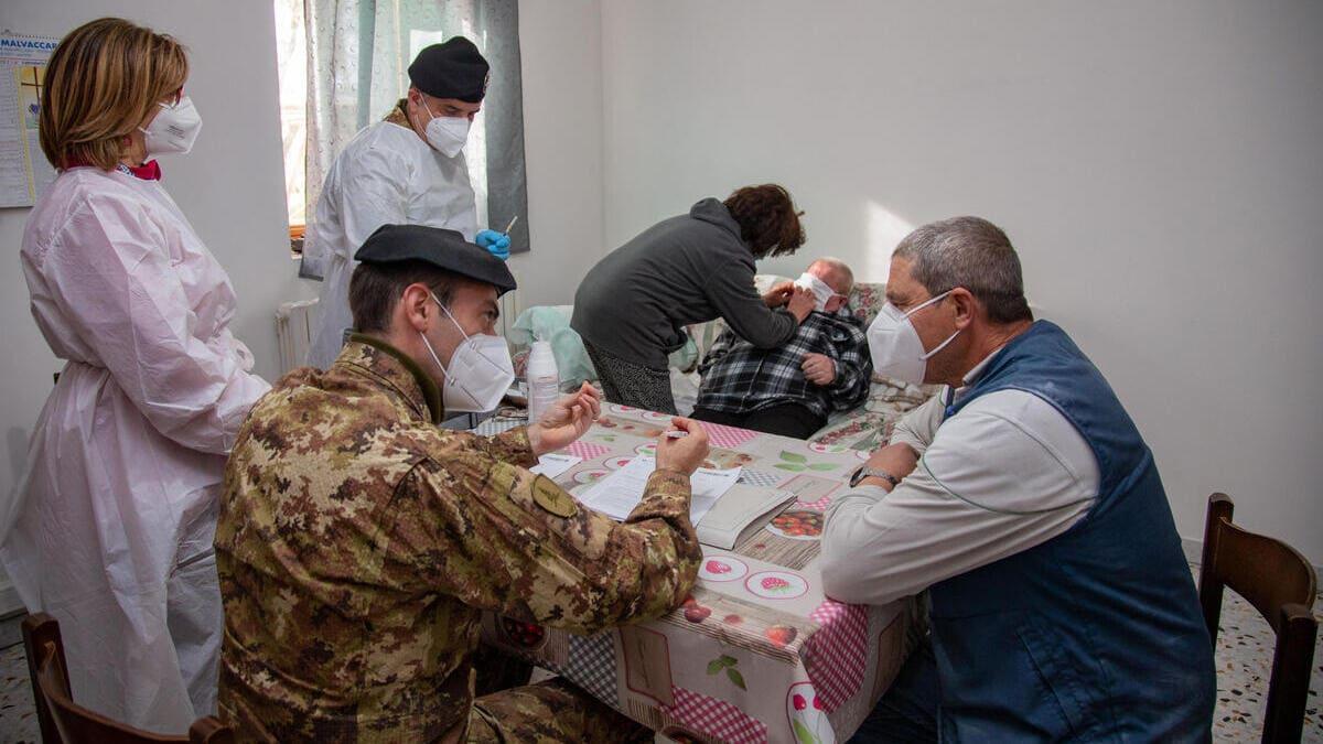 La task force dell'Esercito inviata in Basilicata per vaccinare a domicilio gli over 80