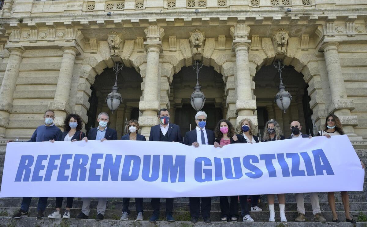 Manifestazione a sostegno dei referendum sulla giustizia