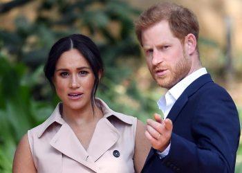 Il principe Harry con la moglie Meghan Markle. Il loro annuncio di non volere più di due figli è stato unanimemente applaudito dai media