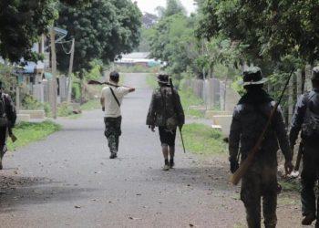 Membri dell'opposizione in Myanmar male equipaggiati contro il regime