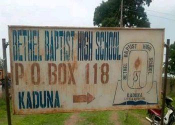 La scuola battista Bethel dove sono stati rapiti più di 100 studenti cristiani in Nigeria