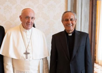 papa Francesco con don Julian Carron, presidente della Fraternità di Comunione e liberazione