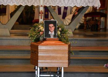 I funerali di Enzo Galli, il papà adottivo morto il 25 agosto all'ospedale di Careggi dove era ricoverato dallo scorso 8 maggio a seguito della positività al Covid