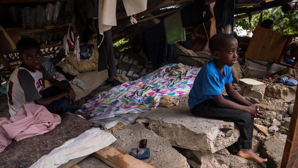 I bambini di Haiti sopravvissuti al terremoto del 14 agosto e in balia delle piogge torrenziali della tempesta Grace