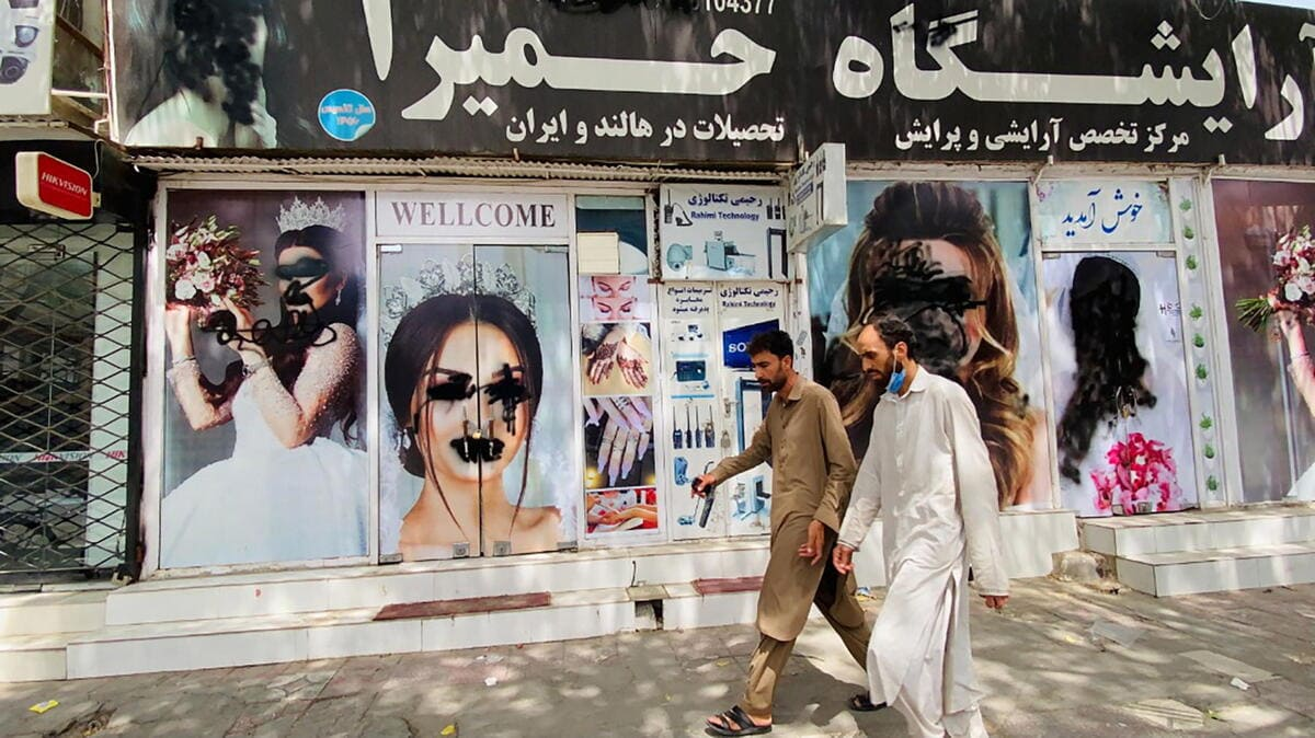 Afghanista, strada di Kabul dopo la presa dei talebani