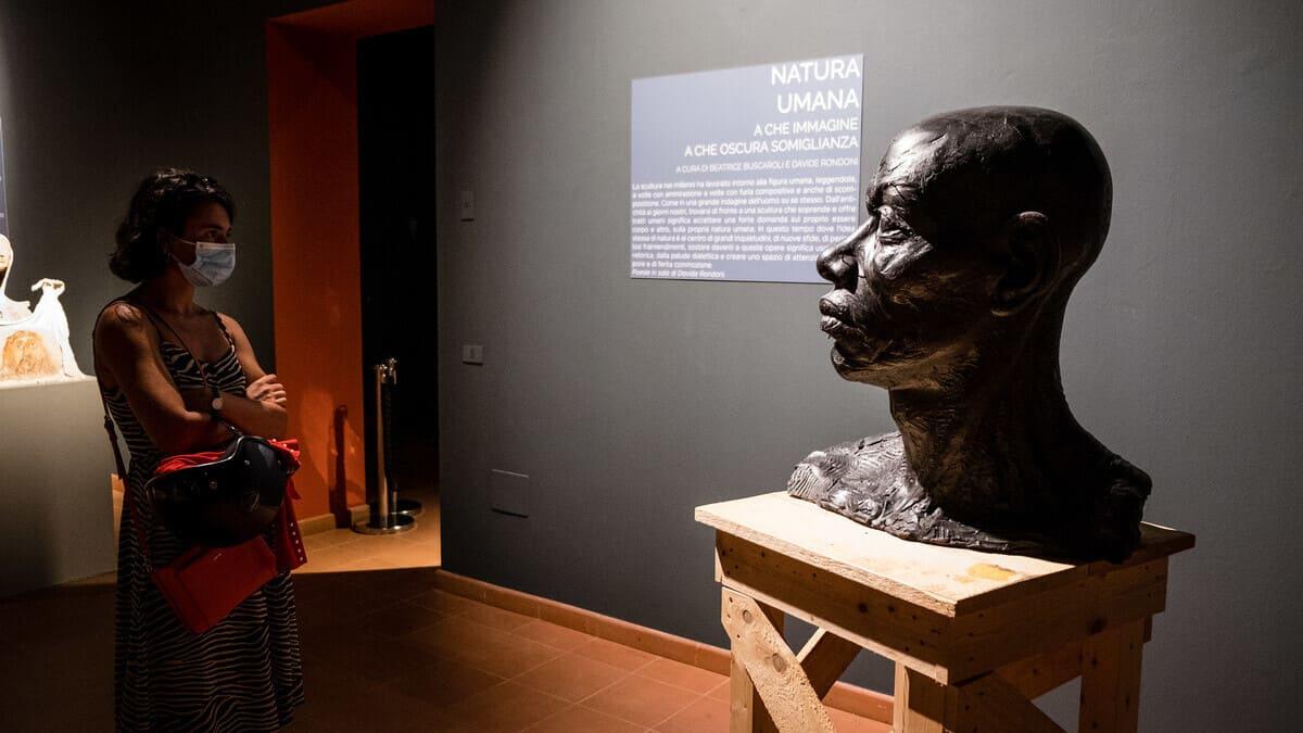 Un'immagine della mostra del Meeting sulla scultura