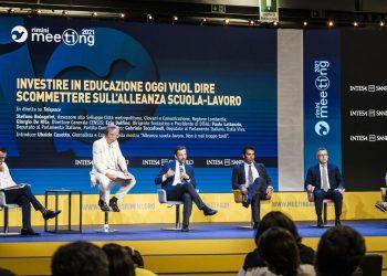 Il curatore Ubaldo Casotto presenta in un incontro al Meeting 2021 la mostra sull'alleanza tra scuola e lavoro