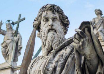 La Statua di san Paolo in piazza San Pietro