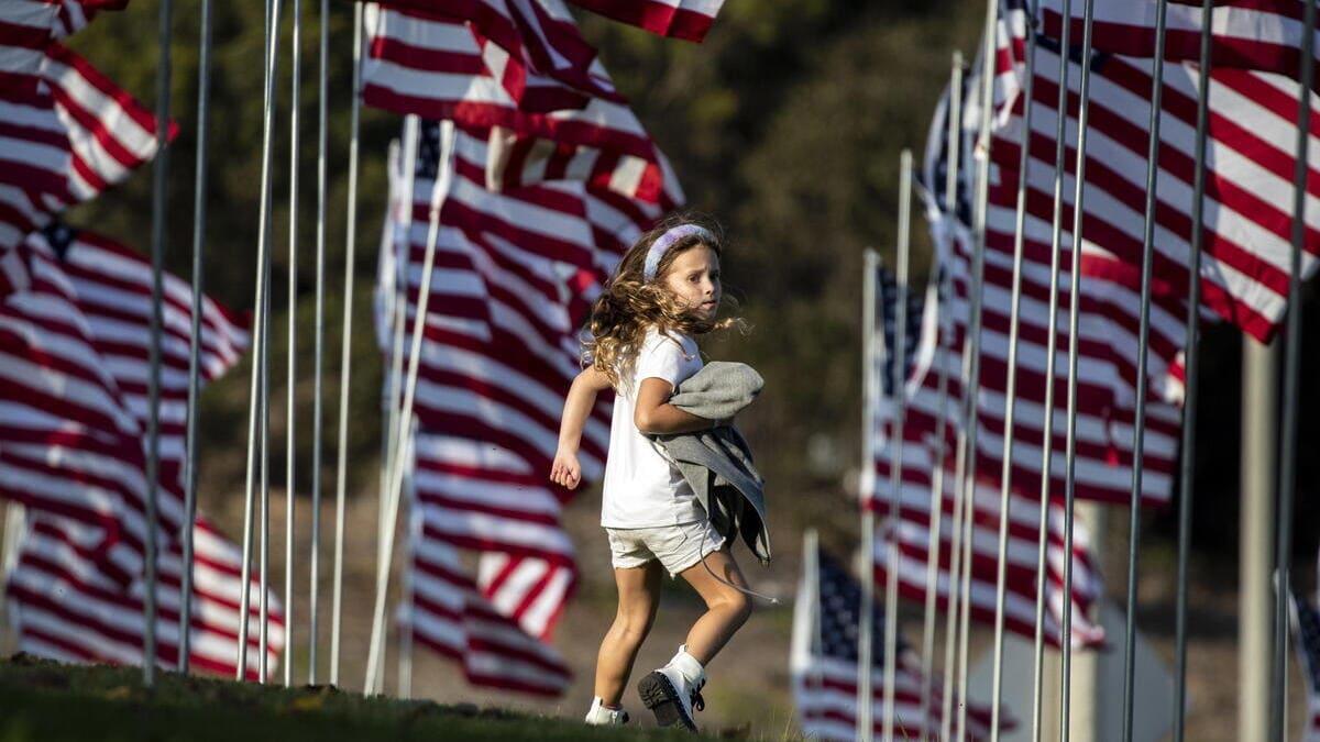 11 settembre, bandiere americane alla Pepperdine University di Malibu