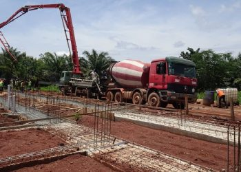 I lavori per la costruzione del nuovo convento dei carmelitani a Bangui, in Centrafrica