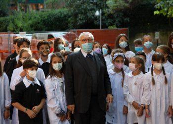 Ritorno in aula, il ministro dell'Istruzione Patrizio Bianchi visita una scuola elementare a Bologna