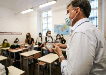 Primo giorno di scuola in un istituto di Torino
