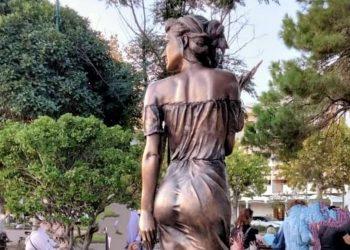 La spigolatrice di Sapri, dalla pagina Facebook dello scultore Emanuele Stifano