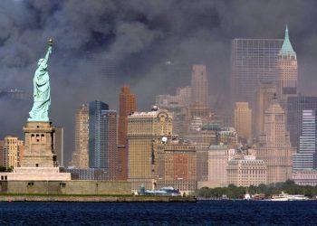 Statua della Libertà, New York, 11 settembre 2001