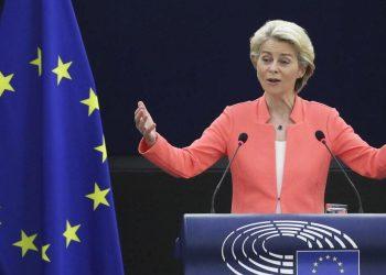Ursula von der Leyen durante il discorso al Parlamento Europeo sullo stato dell'Unione