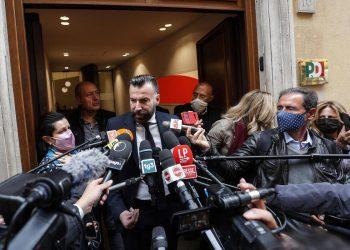Il deputato del Pd Alessandro Zan parla con i giornalisti fuori dalla sede del suo partito a Roma (foto Ansa)