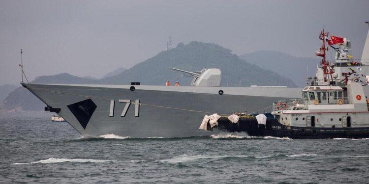 Una nave da guerra della marina della Cina