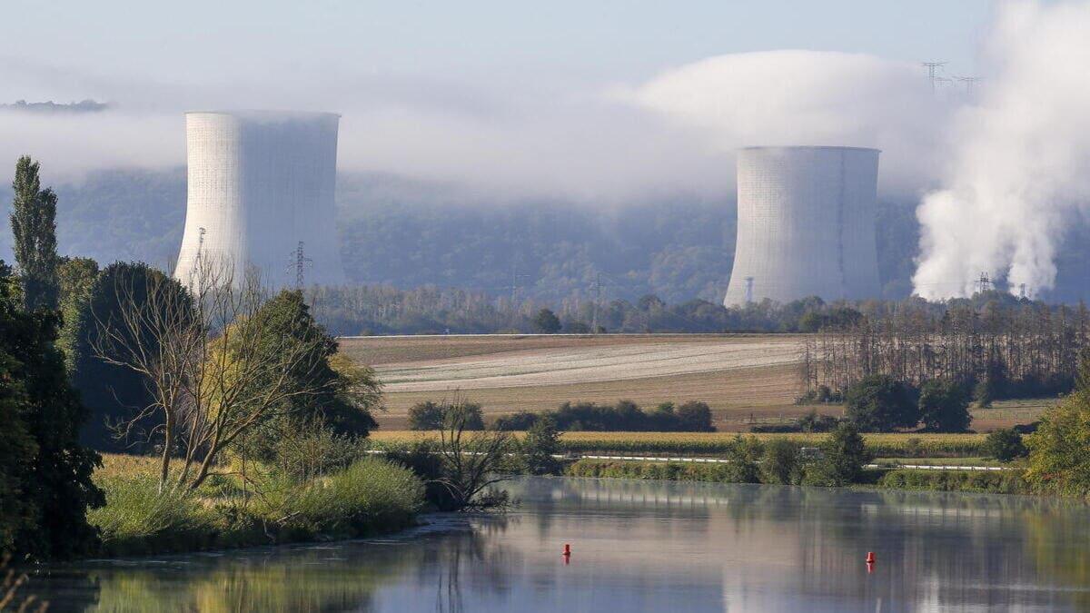 La centrale nucleare per la produzione di energia di Chooz, in Francia