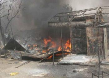 Case in fiamme dopo un attacco a un villaggio della Nigeria