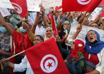 Manifestazione a favore del presidente Saied in Tunisia